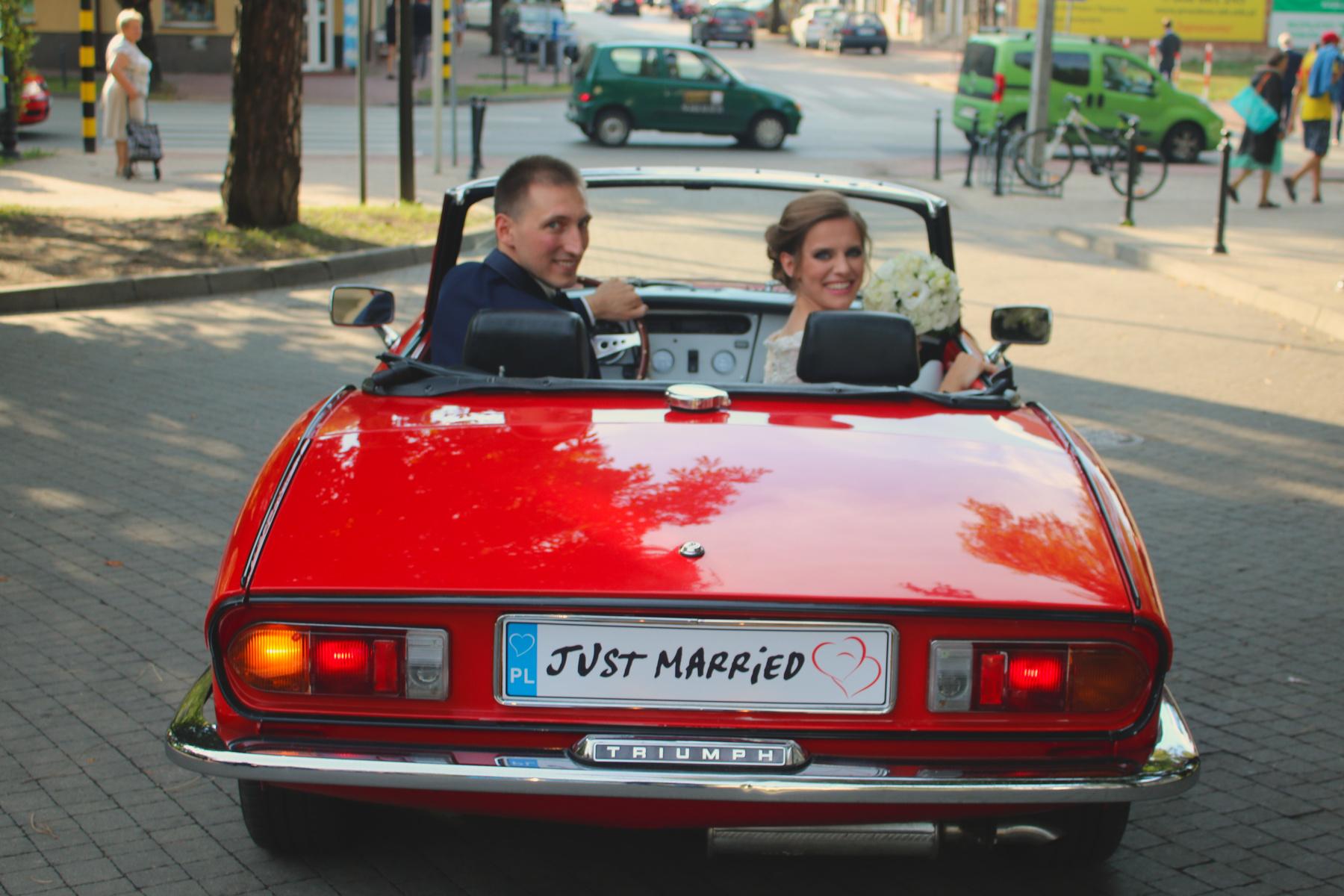 Czerwonym kabrioletem do ślubu